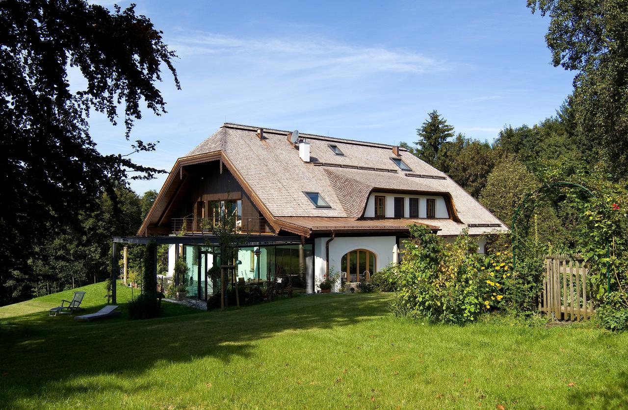 gunther burgholzer betreibt ein architekturburo