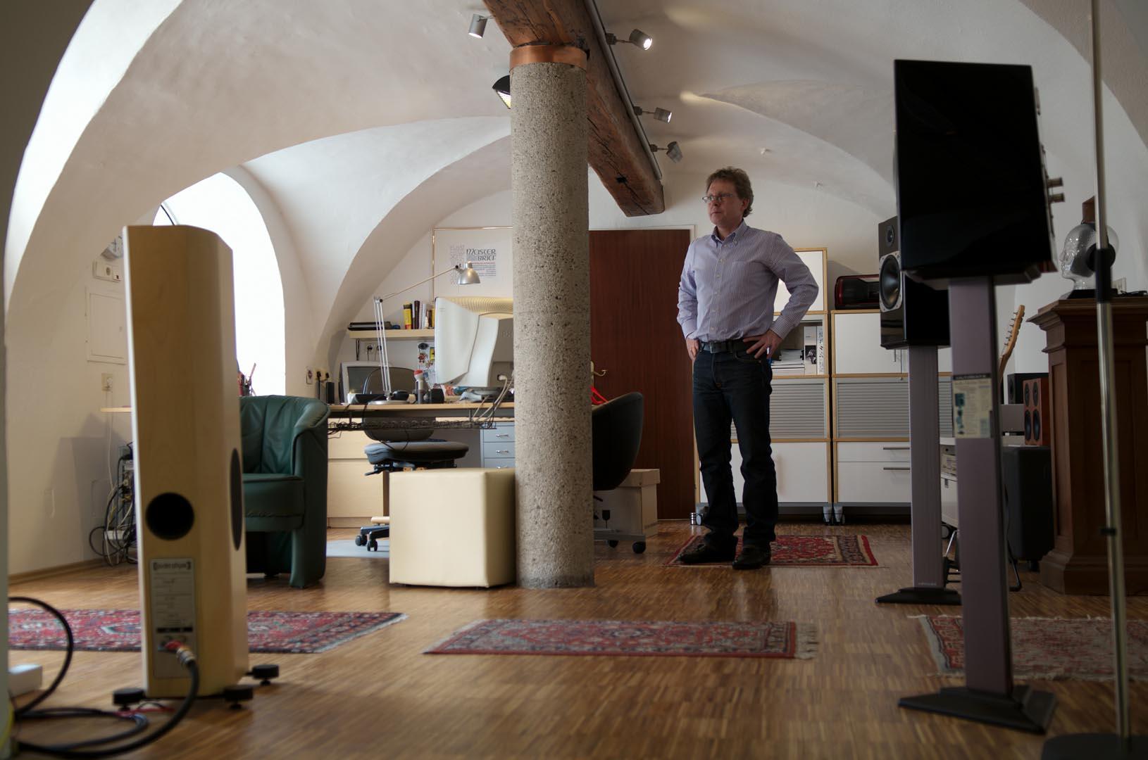 Andreas Strasser in seinem Geschäftslokal